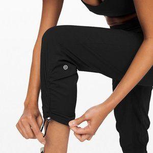Lululemon Dance Studio  Cropped  Pants NEW 8